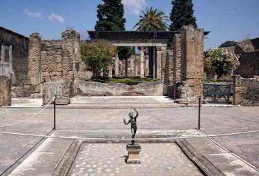 Pompeii & Amalfi Tour with LivItaly